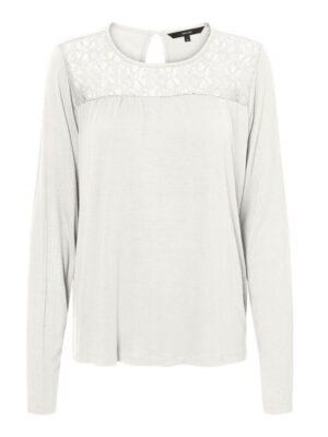 Valkoinen paita pitsiyksityiskohdalla - VMJASMIN